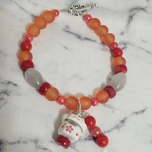 """NEW! Asian inspired """"beckoning cat"""" charm bracelet"""